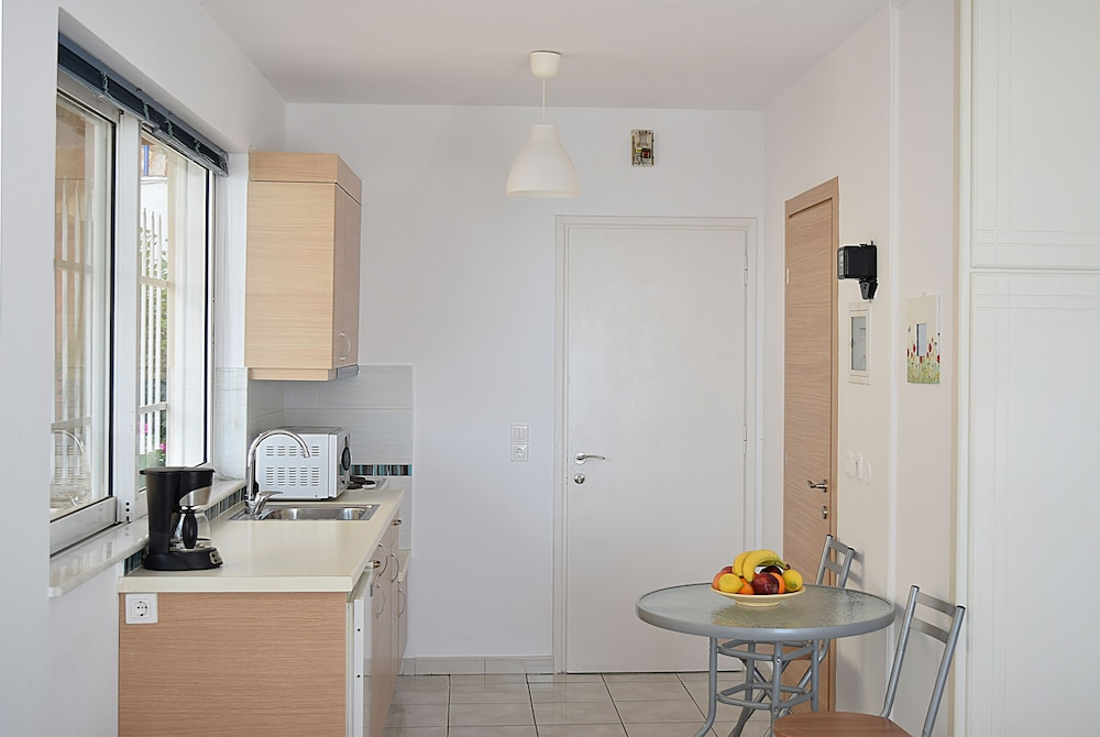 Private Kitchen, Meli Apartments & Villas