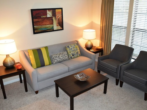 2 Bedroom Loft Apartment Hermann Park / Medical Center