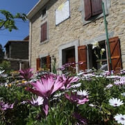 Cottage With Sundial in the Heart of Minervois