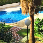 Luxury Holiday Apartment for Families & Couples - 100m to Fuengirola Beach