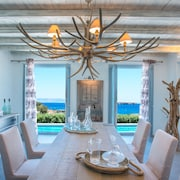Aelia De Luxe Villa With Sea View and Swimming Pool