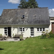 Stunning Cottage in Beautiful North Dorset Near Gillingham With Large Garden
