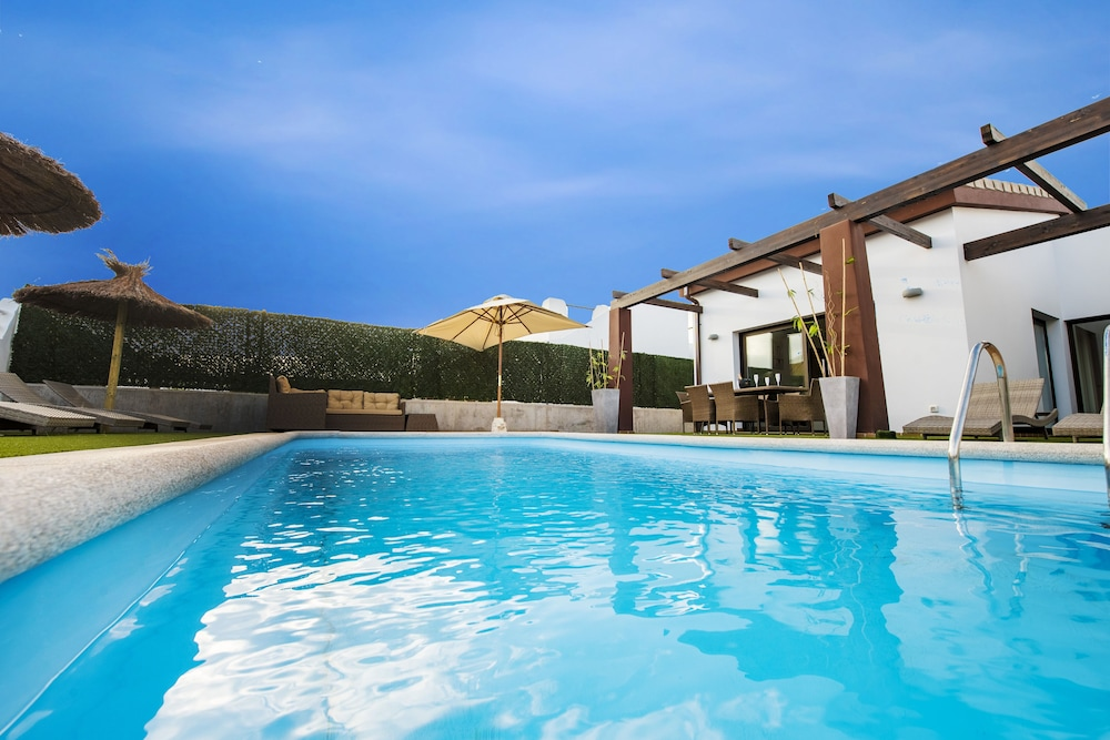 Luxury Family Villa Delicious Golf, 300m From The Beach In Caleta De Fuste:  2018 Room Prices, Deals U0026 Reviews | Expedia