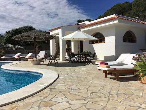 Villa 1ºquality in Natural Park, Biliard, Table-tennis, Jacuzzi, Beaches, Sunset