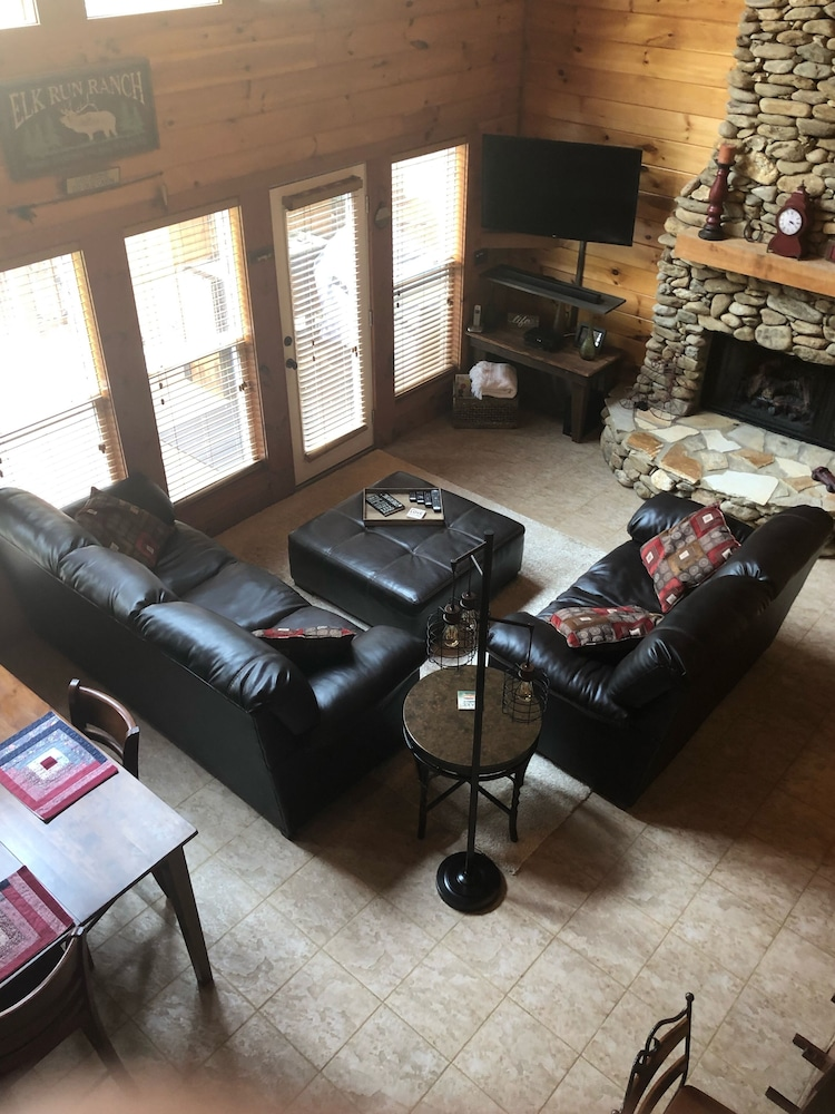 Living Room, Cozy Lakefront Cabin Perfect for a Relaxing get Away!