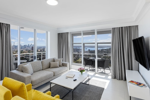 Meriton Suites Bondi Junction