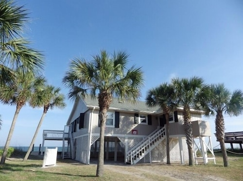 Ocean Front, Beautiful Views Winter Discounts Available NOW