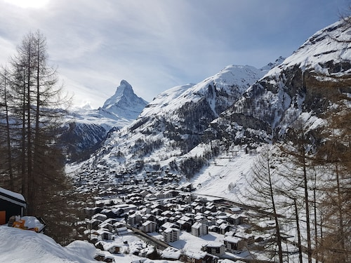 Perfectly Placed for Skiing / Boarding and Walking Holidays Around Zermatt