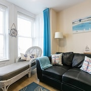 Ahoy is a Lovely Apartment With Sea Views- 15 Minutes From Belfast - Wifi