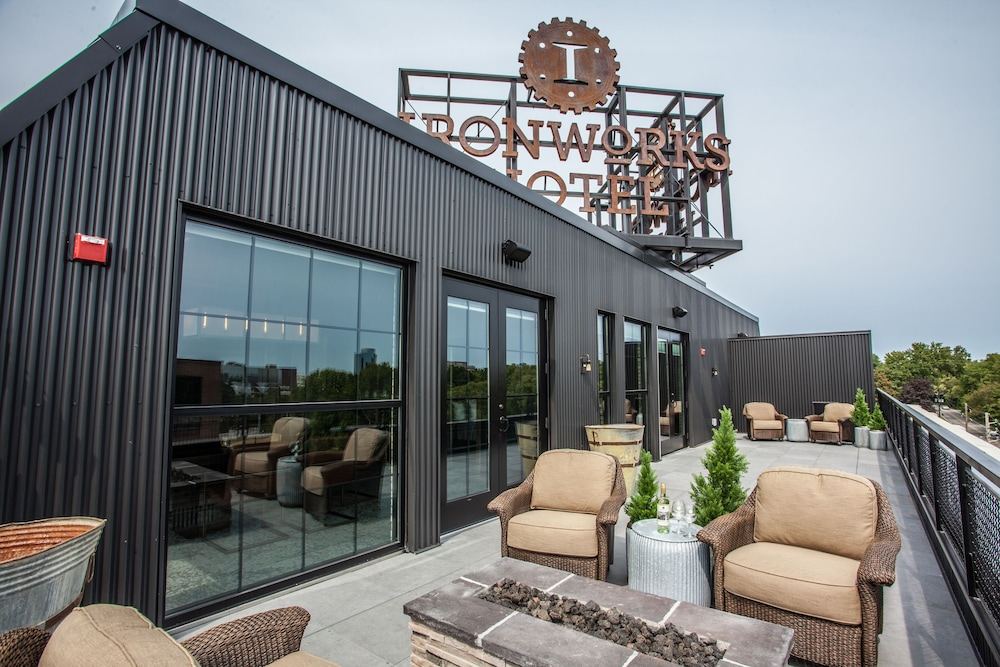Terrace/Patio, Ironworks Hotel Indy