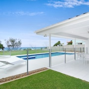 Sentosa at Tugun Beachfront Holiday Home