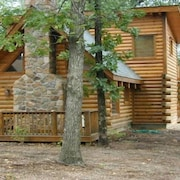 2br/2ba, Log Cabin, Private Hot Tub, , Disk Golf