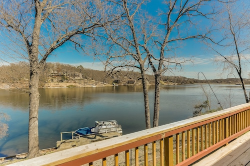 Right ON THE Water! Newly Renovated Lake Front Home w/ Boat Dock