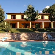 Villa Umbria - a Peaceful Oasis Surrounded by Vineyards in the Todi - Orvieto Area
