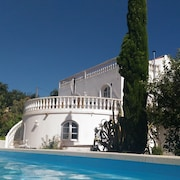 Pretty old House in the Center of the Algarve With Swimming Pool