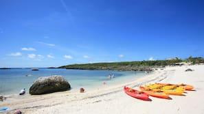 Beach nearby, white sand, beach cabanas, beach bar