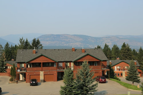 Fairmont Hot Springs Get-a-way - Escape With Ease