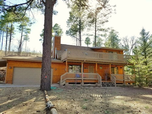 Great Place to stay Secluded! Cabin @ Juniper Ridge - Wifi/dog Friendly near Show Low