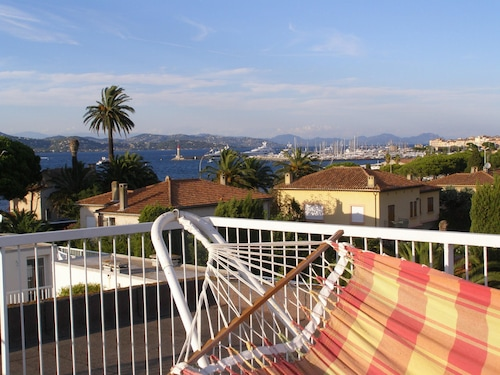 Saint-tropez Apartment New- 6 Pers-large Terrace-pk-pool-beach 50 m Center 70