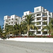 Only True Beach Front Condo in Real La Paz! Full Sunset View, 2 Pools, Pool Bar