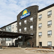 Days Inn by Wyndham Calgary North Balzac