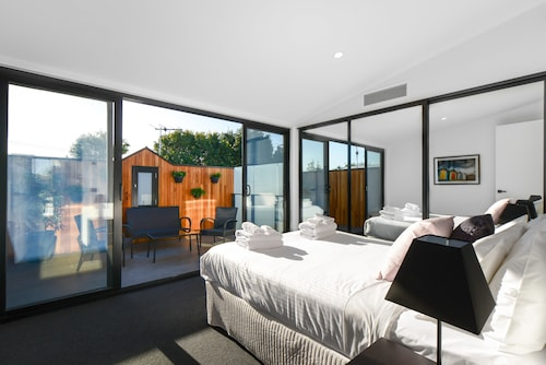 Boutique Stays - County Down, Port Melbourne