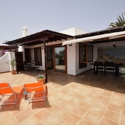 Beautiful and Peaceful Villa Just a Gentle Stroll to the Centre of Playa Blanca