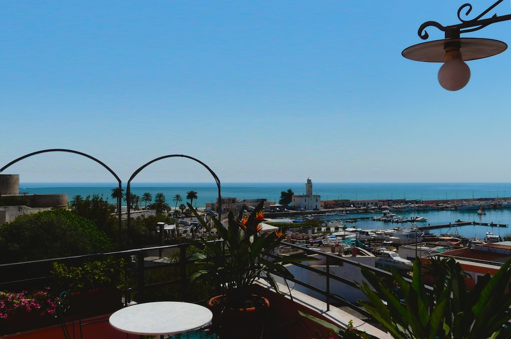 huge selection of 6ab25 0ea18 La dolce vista in Manfredonia | Hotel Rates & Reviews on Orbitz