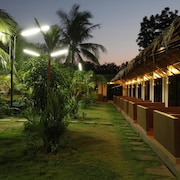 Kombat Group Fitness Resort - Hostel