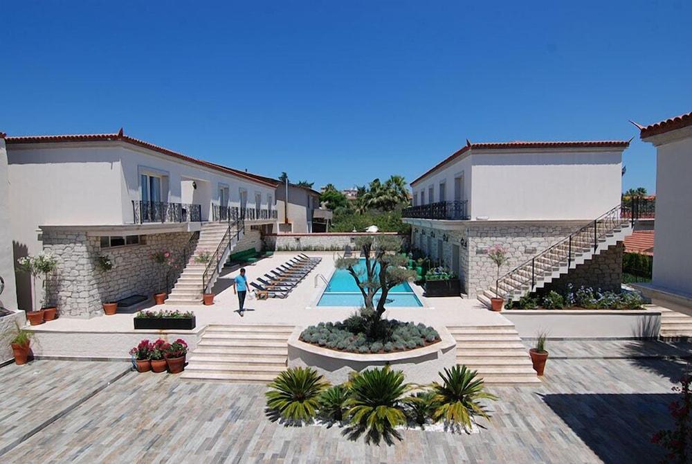 Alacati the design hotel cesme 2018 hotel prices expedia for Design boutique hotel alacati