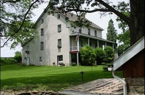 Great Place to stay American Vintage Bed and Breakfast near Stewartstown