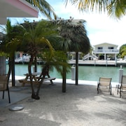 Tropical Retreat ! Completely Refurbished ! All Rentals Sat. - Sat. Only