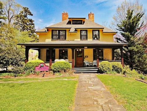Great Place to stay Carolina Bed & Breakfast near Asheville