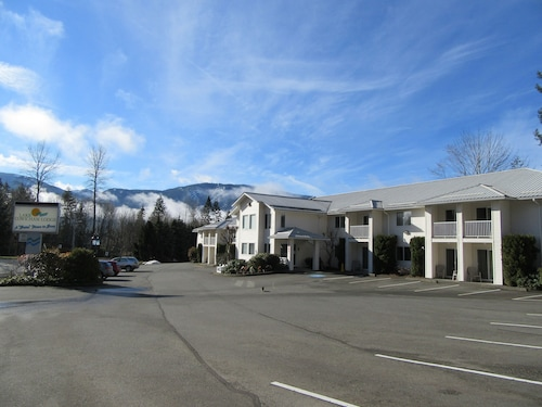 Lake Cowichan Lodge