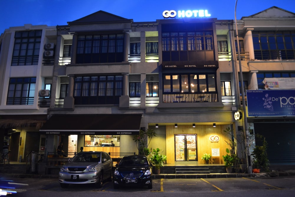 Front of Property - Evening/Night, Go Hotel