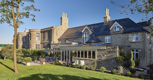 Lanelay Hall Hotel & Spa