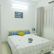 M-H 1 Serviced Apartments