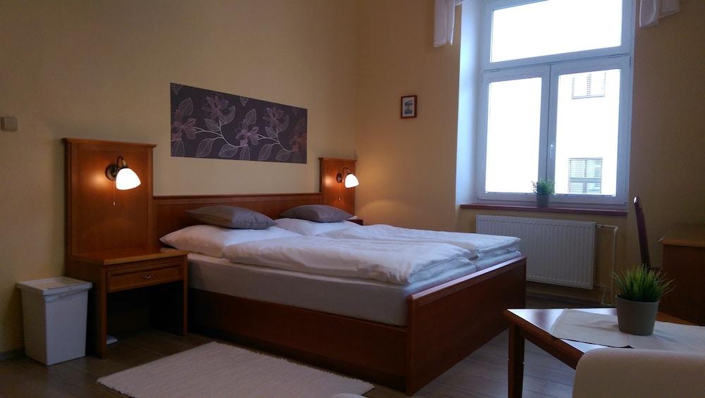Pension Elektra Inn 3.0 de 5.0. Pasillo Imagen destacada Habitación ... ccf5aa5edc3d
