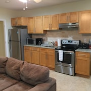 Cozy Apartment Located 15 Minutes Away From NYC and Metlife Stadium.sleeps 6