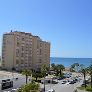 Modern, Central Apartment, sea Vies, 150m Beach/ Lovely Pool and Tennis