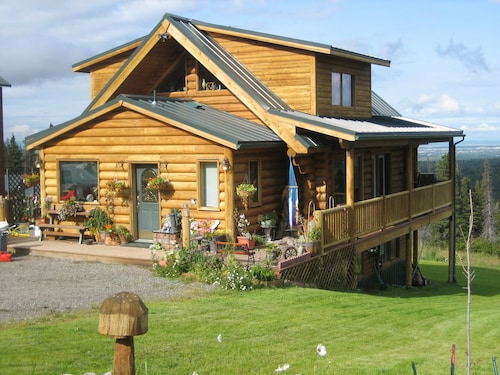 Have an Authentic Log Cabin Alaskan 5 Star Experience at