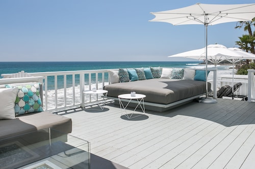 Malibu Beachfront Contemporary 5 Star+the Best Deck In Malibu+beachfront Jacuzzi