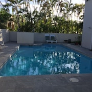 A Hidden Jewel in Honolulu, Ideal for a Family, Corporate Retreat A/C Throughout