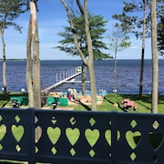 Cute, Clean Houghton Lakefront Cottage, Sleeps 4-6