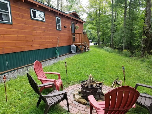 Saranac Lake Cabin - Close to Everything!
