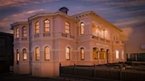 Roxburgh House Apartments - Hobart Hotels