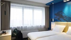 Cofres nos quartos, escrivaninha, berços grátis, Wi-Fi de cortesia