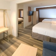 Holiday Inn Express & Suites Gaylord