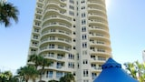 Upscale Apartment in Surfers Paradise - Surfers Paradise Hotels