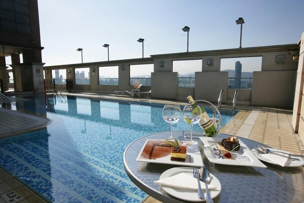 Outdoor Pool, Ramada by Wyndham Hong Kong Grand View
